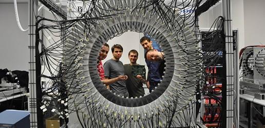 J-PET: nowy Pozytonowy  Emisyjny Tomograf zbudowany  z plastikowych detektorów